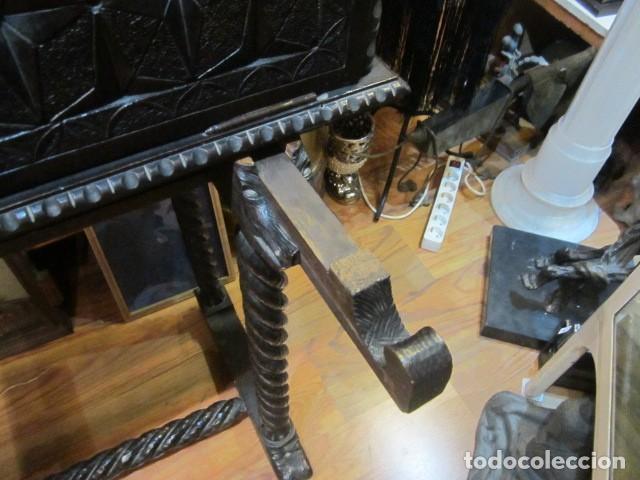 Antigüedades: Papelera Bargueño de madera partes de nogal talla norte de España con pié - buen estado - Foto 3 - 144264418