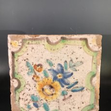 Antigüedades: AZULEJO BARROCO VALENCIANO MOTIVO FLORAL. SIGLO XVIII. Lote 144324760