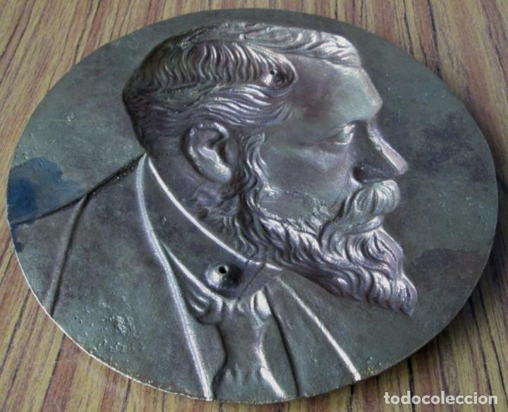 Antigüedades: PLACA DE SABINO ARANA De bronce a relieve - 30 cm. De diámetro - +/- 4 kl - Foto 3 - 144357822