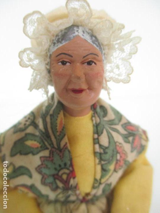 Antigüedades: Figura de Campesina, Abuela con Pollo - Terracota - Firma Florence - La Provenza Francesa - Foto 6 - 144429210