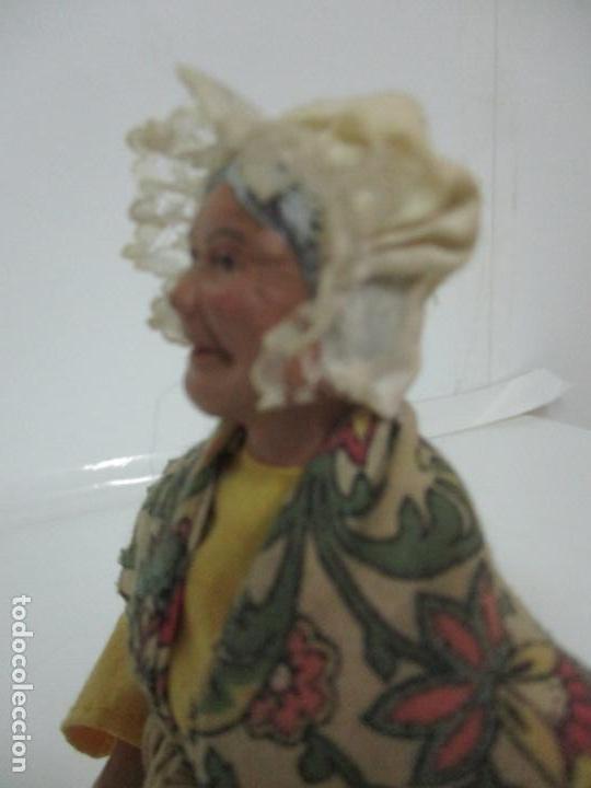 Antigüedades: Figura de Campesina, Abuela con Pollo - Terracota - Firma Florence - La Provenza Francesa - Foto 9 - 144429210