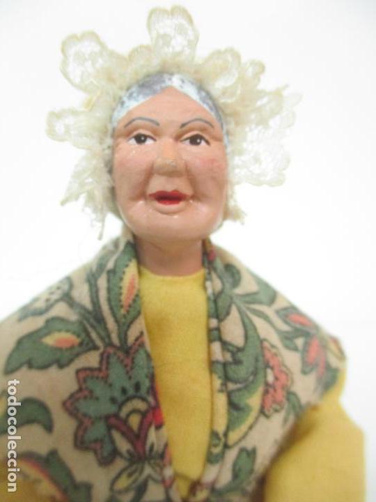 Antigüedades: Figura de Campesina, Abuela con Pollo - Terracota - Firma Florence - La Provenza Francesa - Foto 17 - 144429210