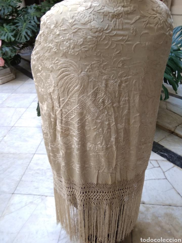 Antigüedades: Mantón Manila siglo XIX , isabelino de seda bordado a mano - Foto 5 - 144443788