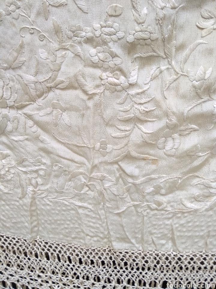 Antigüedades: Mantón Manila siglo XIX , isabelino de seda bordado a mano - Foto 4 - 144443788