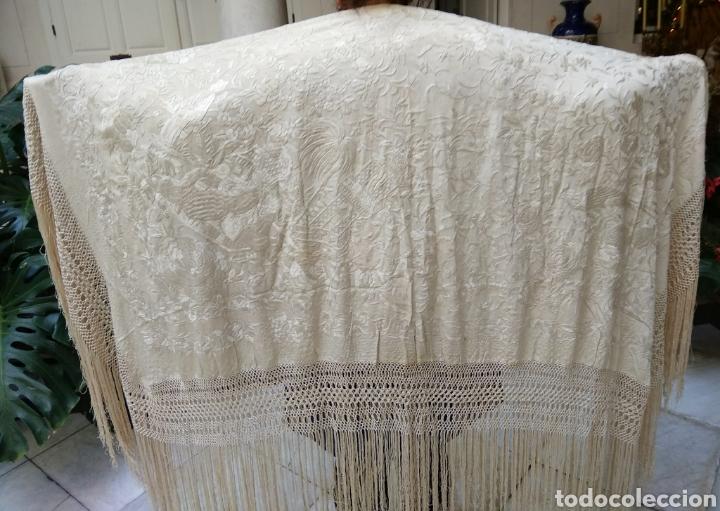 Antigüedades: Mantón Manila siglo XIX , isabelino de seda bordado a mano - Foto 6 - 144443788