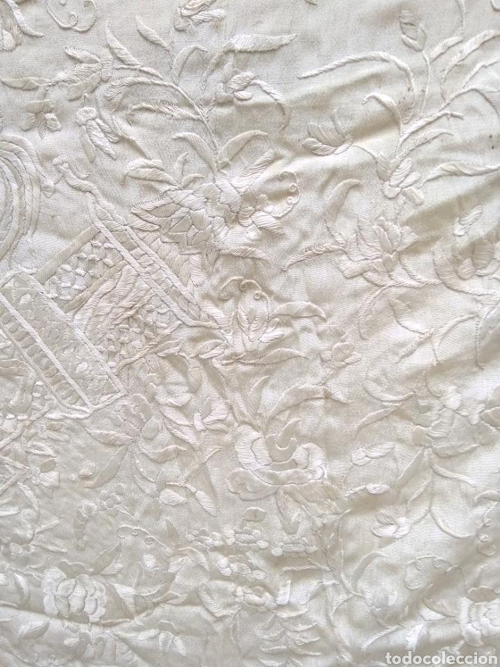 Antigüedades: Mantón Manila siglo XIX , isabelino de seda bordado a mano - Foto 13 - 144443788