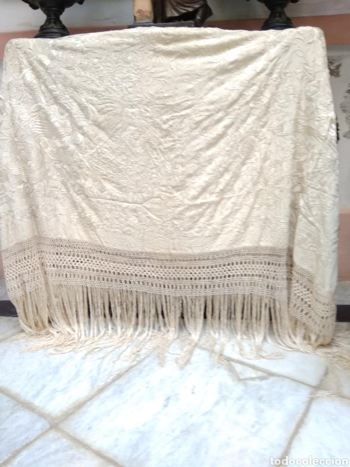 Antigüedades: Mantón Manila siglo XIX , isabelino de seda bordado a mano - Foto 8 - 144443788
