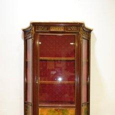 Antigüedades: ANTIGUA VITRINA LUIS XV, BRONCES. Lote 144446550