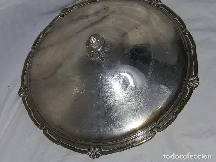 Antigüedades: Gran bandeja redonda con tapa baño de plata 35cm - Foto 7 - 144481650
