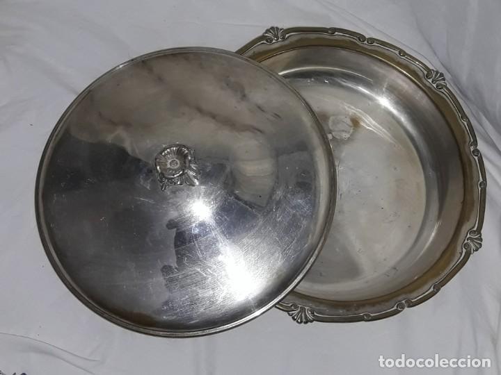 Antigüedades: Gran bandeja redonda con tapa baño de plata 35cm - Foto 10 - 144481650
