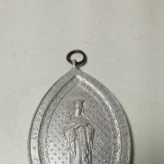 Antigüedades: ANTIGUA GRAN MEDALLA ALUMINIO, VIRGEN, MED. 4X6,5 CM.. Lote 144493922