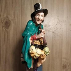 Antigüedades: ROYAL DOULTON - FIGURA PORCELANA - THE MASK SELLER - HN2103. Lote 146648714