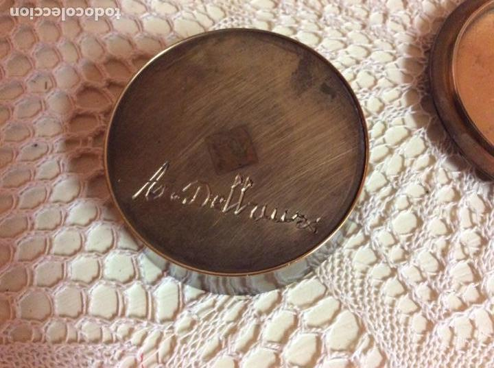 Antigüedades: Caja pequeña de metal dorado esmaltada con motivos modernista. Firmada - Foto 2 - 144557166