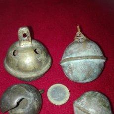 Antigüedades: ANTIGUOS CASCABELES GIGANTES EN BRONCE. Lote 144578842