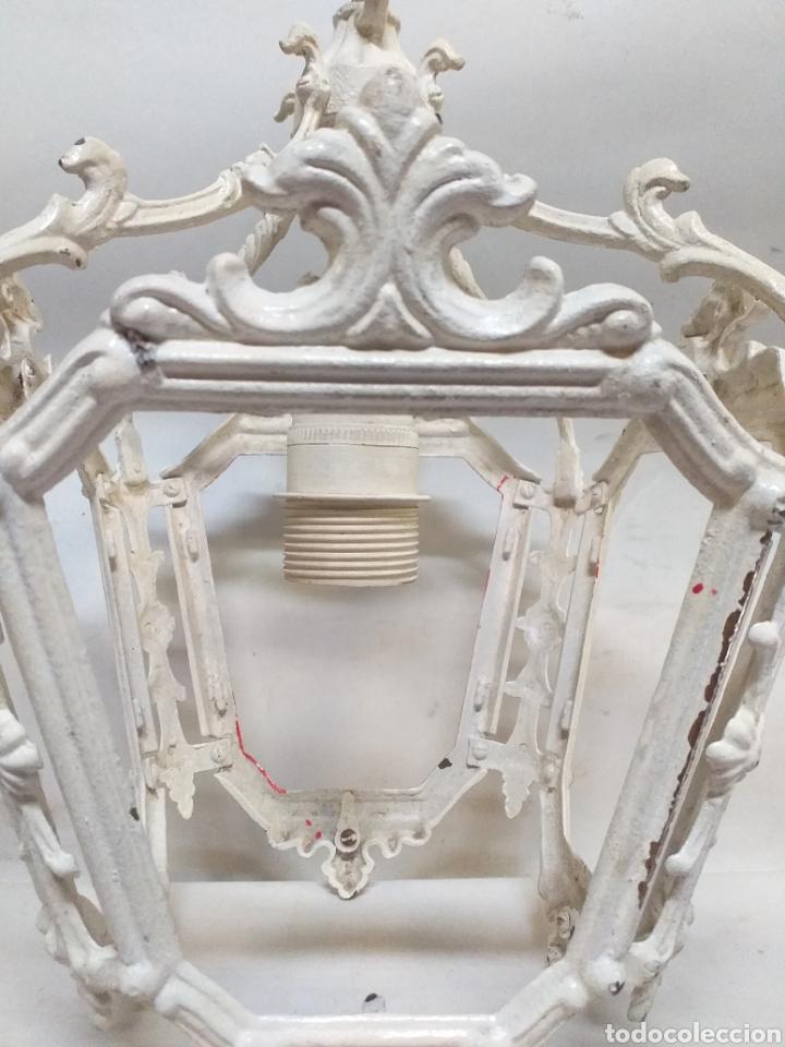 Antigüedades: Farol colgante lampara, de metal o bronce, sin cristales. Esta lacada en blanco pero se quita. - Foto 2 - 144649414