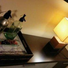 Antigüedades: LAMPARA ART DECO VINTAGE CUERO. Lote 144664102
