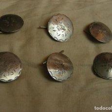 Antigüedades: 6 BOTONES ANTIGUOS INDUMENTARIA. Lote 171030810