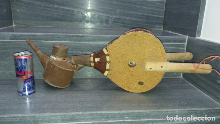 Antigüedades: Máquina manual para AZUFRE AZUFRADORA PAVA de madera y hojalata lata chapa sulfatadora SOPLADOR - Foto 3 - 144821926