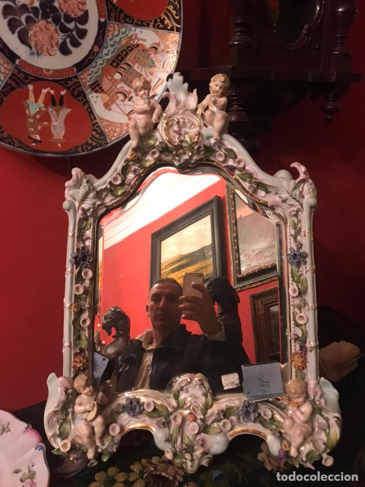 Antigüedades: Espejo sobremesa en porcelana alemana Meissen del siglo XIX - Foto 2 - 144825826