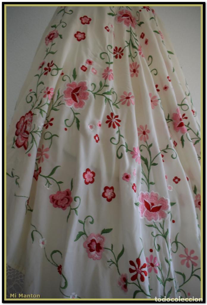 Antigüedades: Mantón de Manila blanco con flores en rosa 120x120 cm - Foto 3 - 144883306