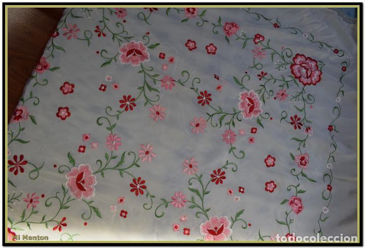 Antigüedades: Mantón de Manila blanco con flores en rosa 120x120 cm - Foto 5 - 144883306