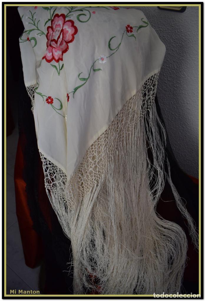 Antigüedades: Mantón de Manila blanco con flores en rosa 120x120 cm - Foto 6 - 144883306