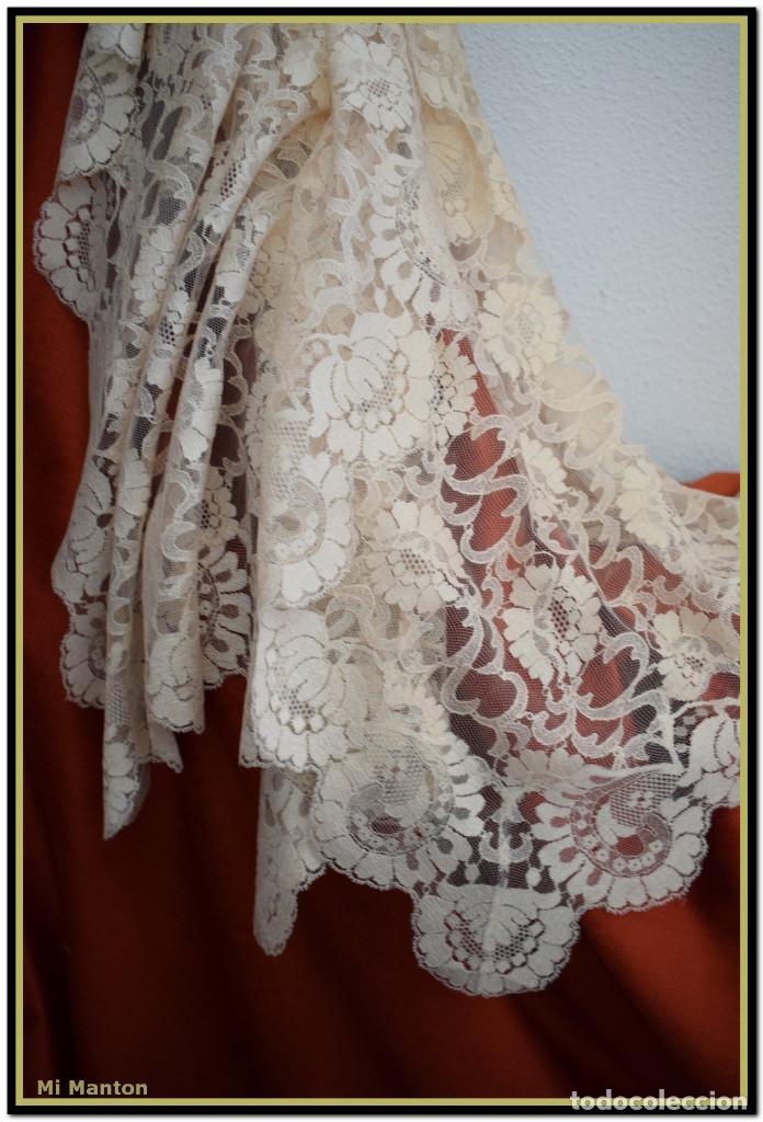Antigüedades: Mantilla beige tono nude tipo blonda 120 cm x 220 cm - Foto 5 - 144887298