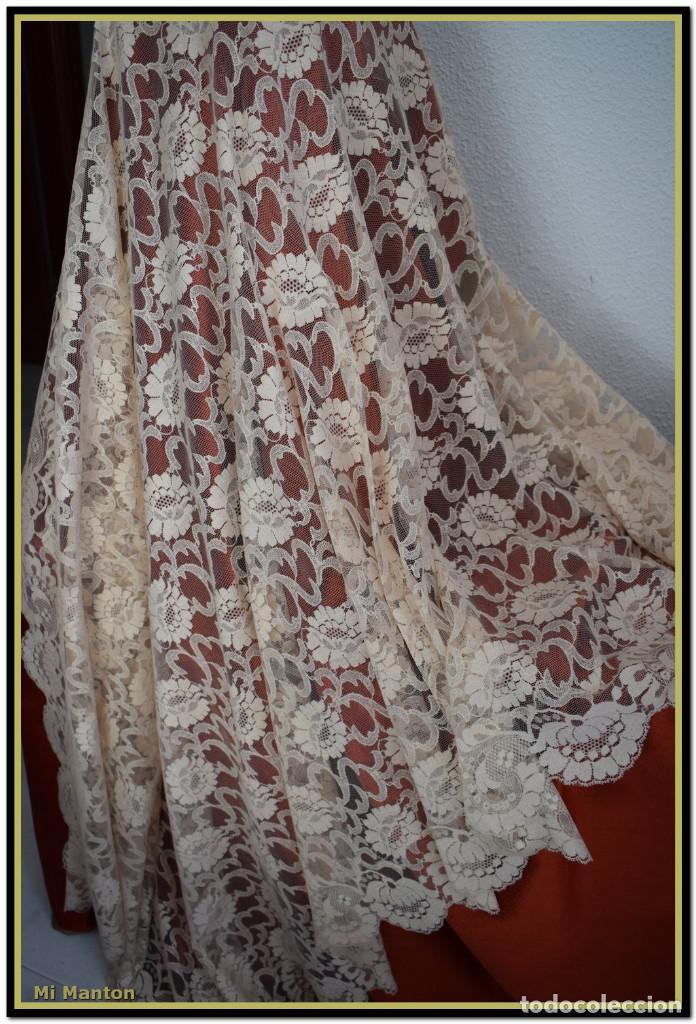 Antigüedades: Mantilla beige tono nude tipo blonda 120 cm x 220 cm - Foto 6 - 144887298