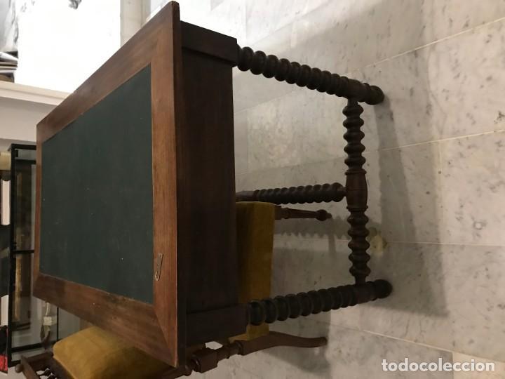 Antigüedades: MESA DE DESPACHO CON SILLA TAPIZADA - Foto 2 - 144912846