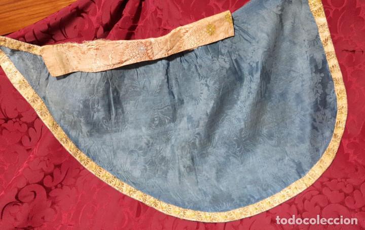 Antigüedades: Conjunto de 3 sayas o faldas y capote o capillo en seda azul. - Foto 2 - 144948154