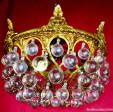 Antigüedades: ESPECTACULAR LAMPARA CA 1930 EN BRONCE AL ORO Y BOLAS DE CRISTAL DE BOHEMIA ESPAÑA. Lote 145005166