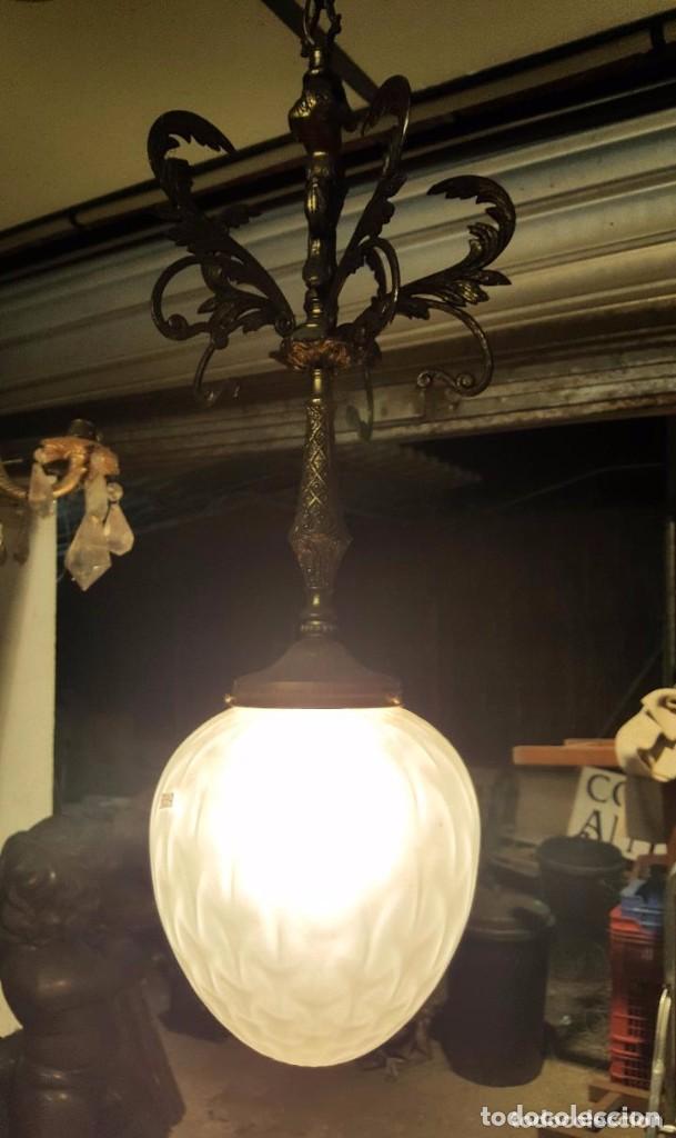 LAMPARA MODERNISTA GLOBO CRISTAL Y BRONCE (Antigüedades - Iluminación - Lámparas Antiguas)