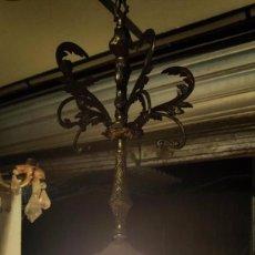Antigüedades: LAMPARA MODERNISTA GLOBO CRISTAL Y BRONCE. Lote 145014790