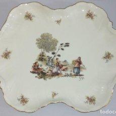 Antigüedades: BANDEJA DE PORCELANA CAPEANS MADE IN SPAIN . Lote 145077574