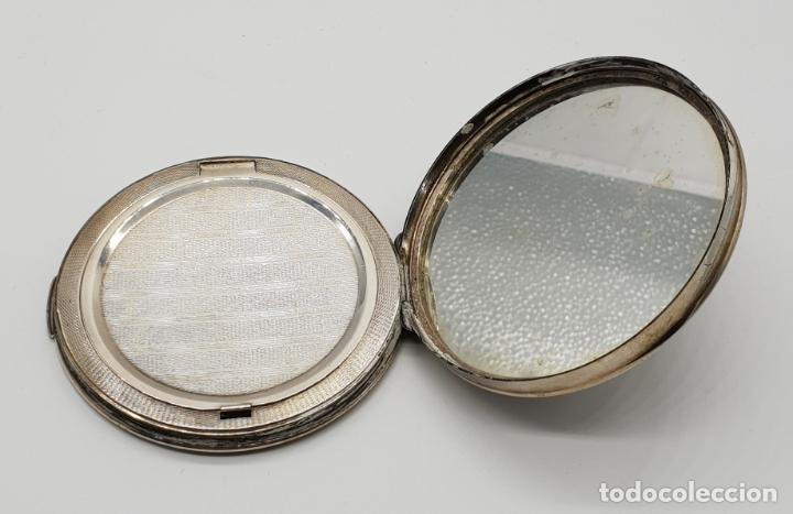 Antigüedades: Polvera antigua Danesa en plata de ley bellamente repujada con motivo renacentista cincelado a mano - Foto 5 - 145112754