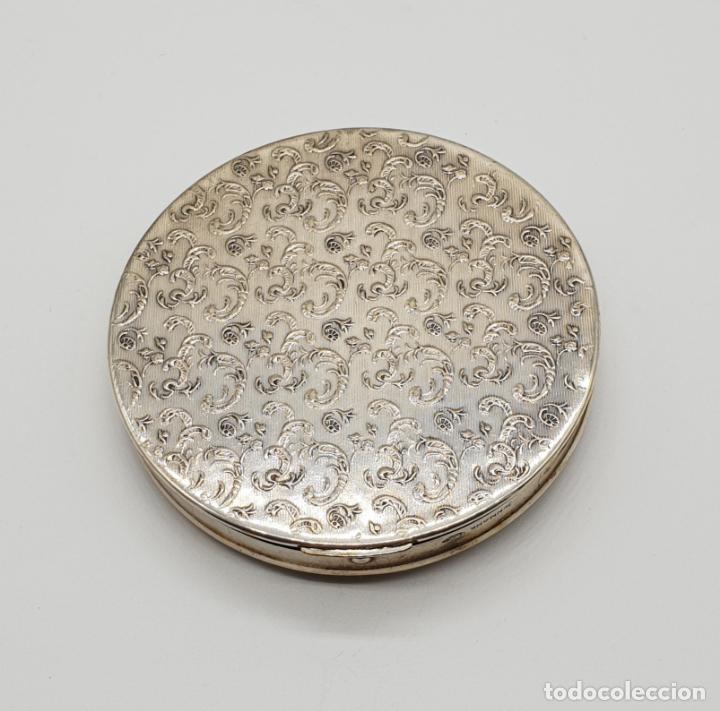 Antigüedades: Polvera antigua Danesa en plata de ley bellamente repujada con motivo renacentista cincelado a mano - Foto 8 - 145112754