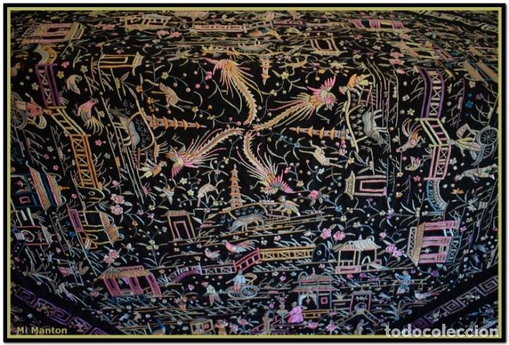 Antigüedades: Mi Manton. Manton de Manila antiguo. raro cantones de chinos tonos rosaceos, azules, y lila - Foto 9 - 145132718