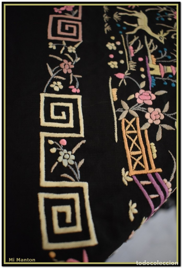 Antigüedades: Mi Manton. Manton de Manila antiguo. raro cantones de chinos tonos rosaceos, azules, y lila - Foto 8 - 145132718