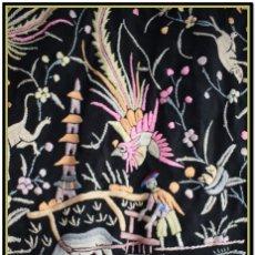 Antigüedades: MANTON DE MANILA ANTIGUO. RARO CANTONES DE CHINOS. TIPO ART DECO TONOS ROSACEOS, AZULES, Y LILA. Lote 145132718
