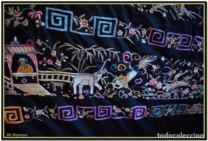 Antigüedades: Mi Manton. Manton de Manila antiguo. raro cantones de chinos tonos rosaceos, azules, y lila - Foto 4 - 145132718