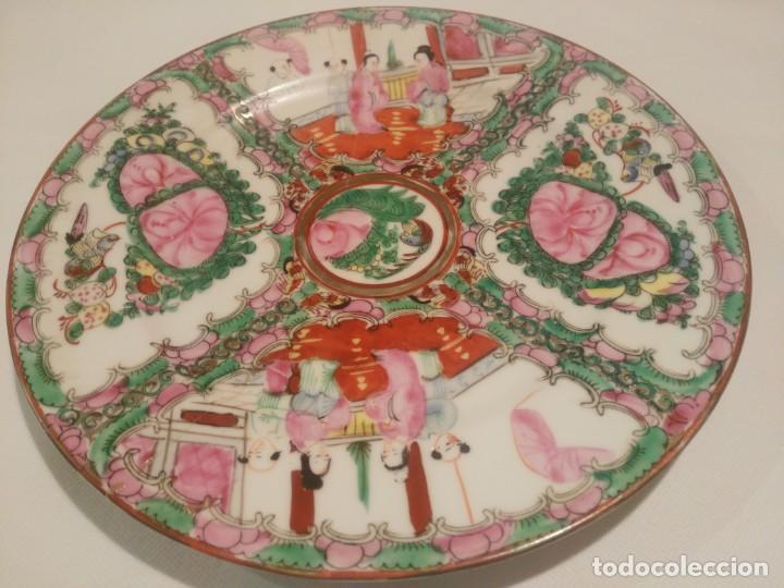 BONITO PLATO DE PORCELANA CHINA DE MACAO. (Antigüedades - Hogar y Decoración - Platos Antiguos)