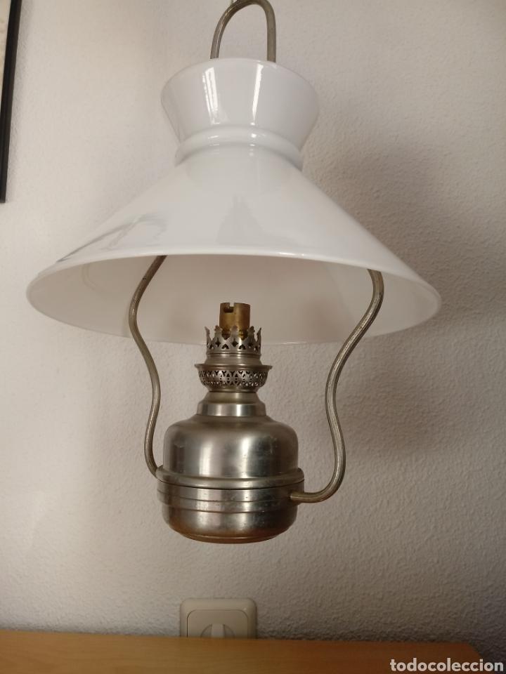 Antigüedades: Lámpara de techo tipo quinqué. Tulipa de opalina - Foto 3 - 145230421