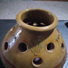 Antigüedades: NI IDEA, OLLA JARRA JARRON ES CERAMICA O BARRO. Lote 145235482