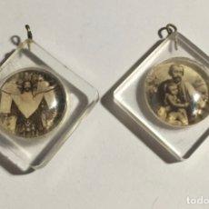 Antigüedades - 2 antiguas medallitas en metacrilato . 20x20 m/m. - 145258034