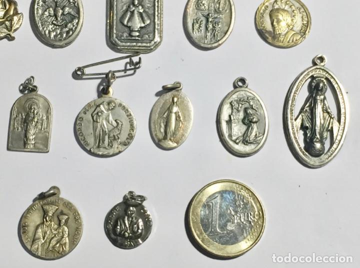 Antigüedades: LOTE DE 28 ANTIGUAS MEDALLAS VARIAS - 80 GRAMOS ( VER LAS FOTOS ) - Foto 5 - 145265178