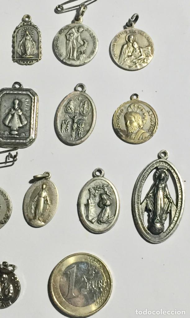 Antigüedades: LOTE DE 28 ANTIGUAS MEDALLAS VARIAS - 80 GRAMOS ( VER LAS FOTOS ) - Foto 6 - 145265178