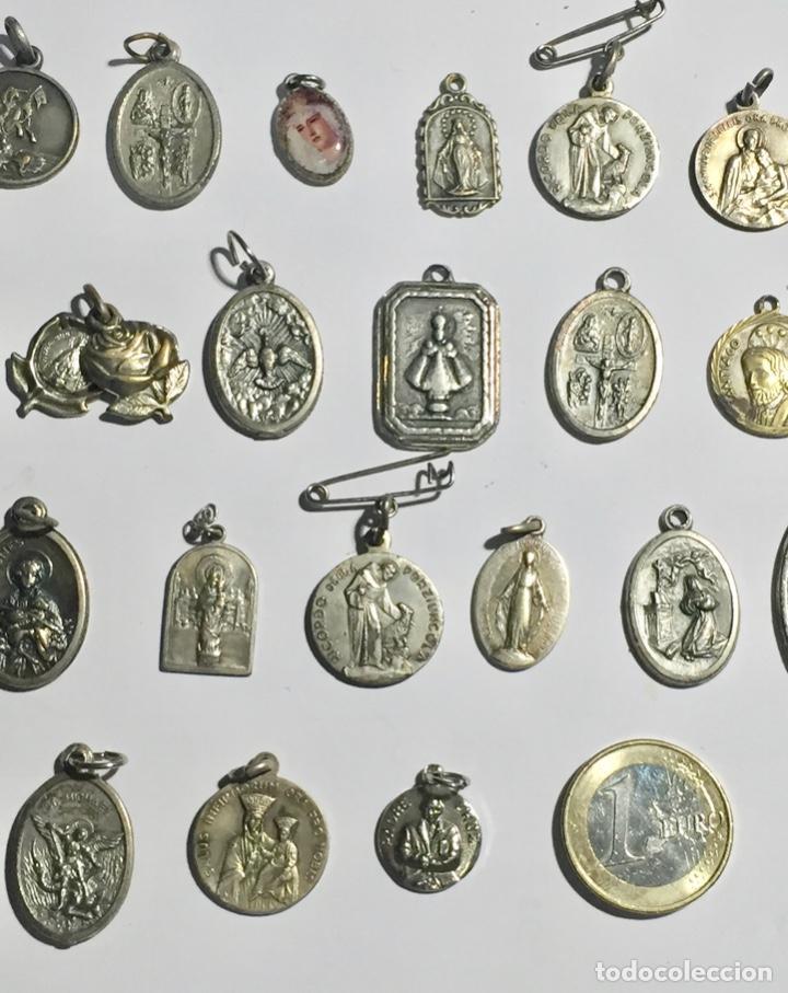 Antigüedades: LOTE DE 28 ANTIGUAS MEDALLAS VARIAS - 80 GRAMOS ( VER LAS FOTOS ) - Foto 7 - 145265178