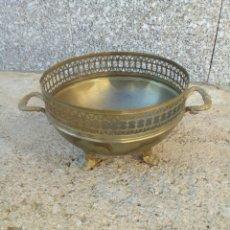 Antigüedades: FRUTERO DE BRONCE. Lote 145376514