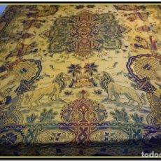 Antigüedades: MARAVILLOSA COLCHA ART DECÓ AÑOS 20-40 EN DAMASCO DE SEDA. Lote 145405530
