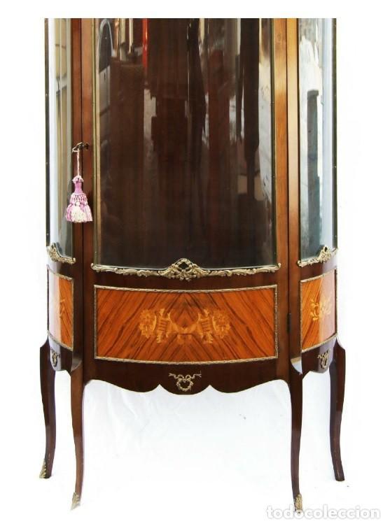 Antigüedades: Antigua ,elegante vitrina francesa , de madera con cristal concavo LUIS XVI - Foto 3 - 145407866